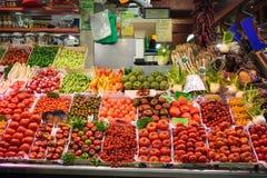 新鲜蔬菜喜欢蕃茄和胡椒 有机食品 传统的市场 库存照片