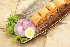 新鲜蔬菜春卷或面卷饼 免版税库存图片