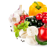 新鲜蔬菜用意大利乳酪无盐干酪 免版税库存照片
