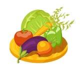 新鲜蔬菜的五颜六色的构成在木板的 免版税库存照片