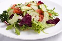 从新鲜蔬菜的沙拉 免版税库存图片
