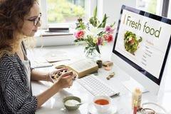 新鲜食品吃咖啡馆卡路里营养概念 图库摄影