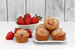 新鲜,有机草莓松饼 库存照片