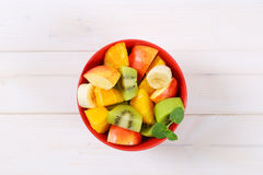 新鲜水果沙拉 免版税库存图片