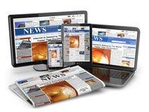 新闻。媒介概念。膝上型计算机、片剂个人计算机、电话和报纸。 免版税库存照片