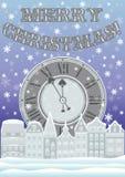 新年和圣诞快乐卡片与时钟和冬天城市 库存照片
