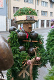 新年哑剧演员( Silvesterchlausen)在Urnasch,阿彭策尔 免版税库存图片