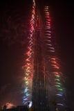 新年在Burj哈利法的庆祝烟花在迪拜 免版税库存图片