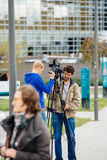 新闻工作者传送活从欧洲议会大厦 免版税库存图片