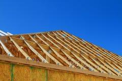 新建工程木大厦或房子 免版税库存照片