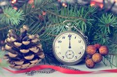 新年快乐:午夜时钟 免版税库存图片