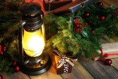 新年结构的圣诞树分支装饰了wi 库存图片