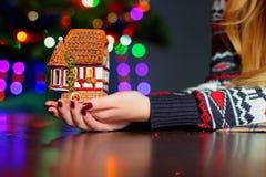 新年的心情烛台小屋2 免版税库存照片