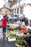 新闻纪录片的社论图象 在巴厘岛的典型的市场 库存图片