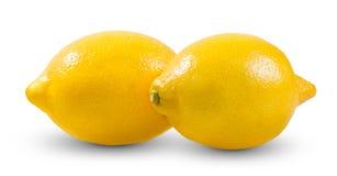 新黄色两撒石灰,在白色bacground隔绝的柠檬富有的巫婆维生素C 免版税库存照片