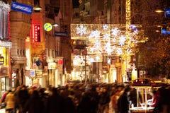 新年装饰的Taksim广场伊斯坦布尔土耳其 库存图片