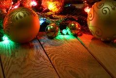 新年` s上面边界框架 圣诞节木背景 免版税库存图片