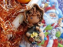 新年` s和圣诞节 地精和圣诞节蜡烛 新年的内部 库存照片