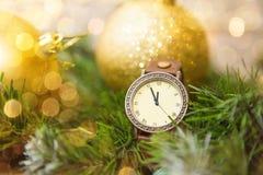 新年` s时钟在午夜 免版税库存图片