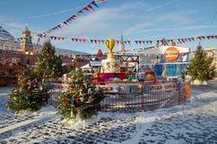 新年` s胶公平在红场在莫斯科,俄罗斯 库存图片