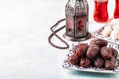 新Medjool日期 ramadan的kareem 免版税库存照片