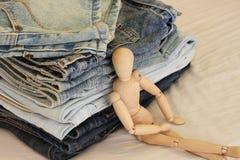 方便的牛仔裤 免版税库存图片