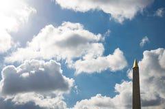 方尖碑在巴黎 免版税库存图片