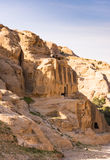 方尖碑坟茔& Bab Siq Triclinium, Petra 图库摄影