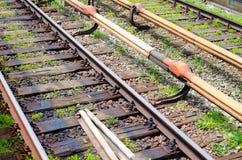 方式向前铁路在城市 免版税库存图片