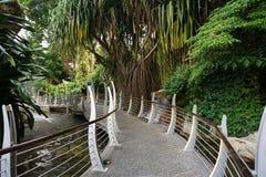 方式在海湾中央庭院作为海湾南部和海湾东部庭院之间的一个链接 它站立在15公顷(37英亩)机智 免版税库存图片