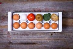 方式处理在冰箱的食物 免版税图库摄影