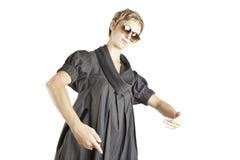 方式女孩纵向太阳镜 免版税库存图片
