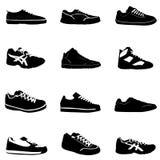 方式穿上鞋子体育运动 免版税图库摄影