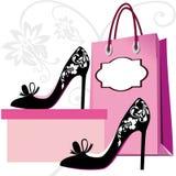 方式穿上鞋子购物 库存图片
