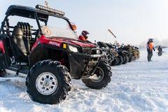 方形字体在地层 冬天摩托车越野赛ATV 库存照片