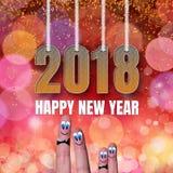 方形的卡片与滑稽的家庭手指的新年快乐2018年 免版税库存图片