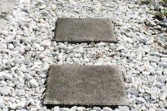 方形的垫脚石 库存照片