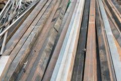 方形的钢箱子大小4英寸在使用的建筑 免版税库存照片