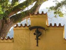 施万高称`村庄皇家城堡`,它位于在山下,新天鹅堡和Hohenschwangau r 库存照片