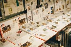 施泰尔,奥地利- 2017年12月:邮票和信件在Ch里面 库存照片