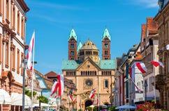 施派尔主教座堂的看法从马克西门科街的-德语 库存照片