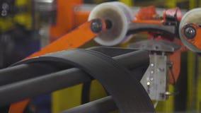旁边外缘的自动化的生产车胎的 影视素材