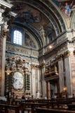 旁边法坛在阴险的人教会里在罗马 免版税库存照片