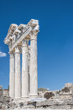 旁边阿波罗教堂废墟 免版税库存照片