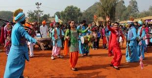 旁遮普人音乐和舞蹈由变性艺术家 图库摄影