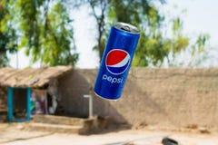 旁遮普邦,巴基斯坦6月1,2019:百事可乐在天空中能飞行 免版税库存图片