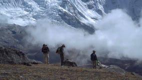 旅客在喜马拉雅山 股票视频