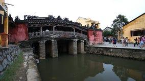 旅游业在越南 日本被遮盖的桥-其中一种会安市的主要吸引力 股票视频
