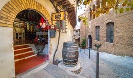 旅游业在Barceloneta -巴塞罗那内部的小镇  免版税库存照片