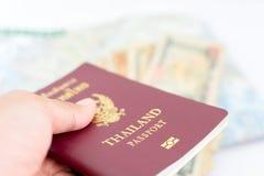 旅游业的泰国护照 库存照片